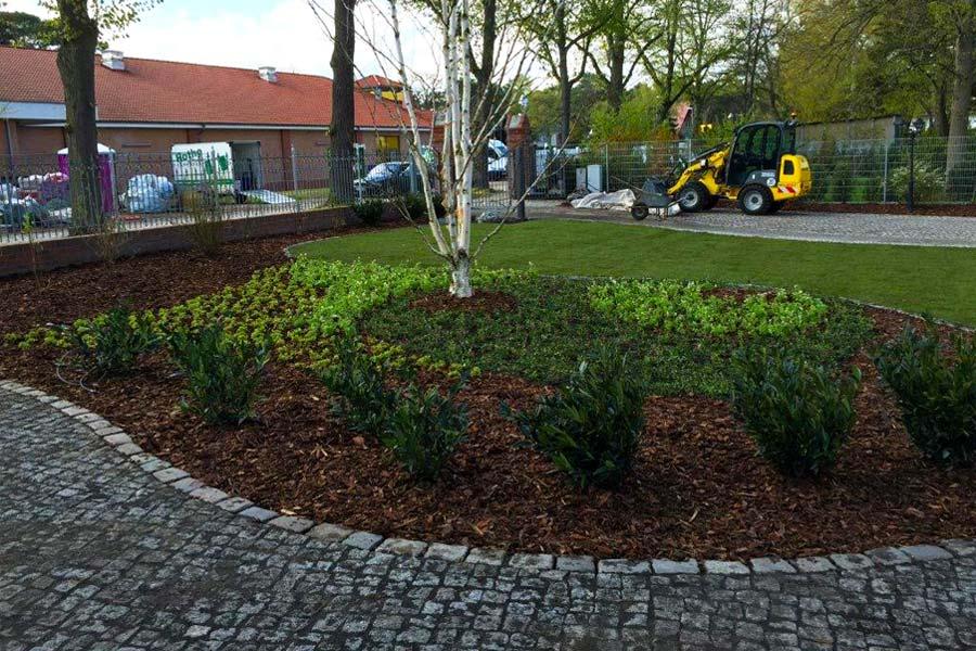 Garten landschaftsbau arbeiten for Garten arbeiten